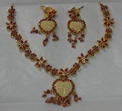 Real Stone Necklace With Pendent And Earings