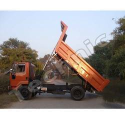 tipper with front end tipping system
