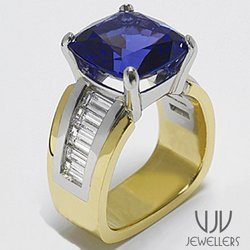 Designer Diamond Gold Rings With Blue Stone