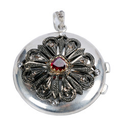 Fusion Diamond Pendant Jewelry