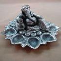 Deepak Relaxing Ganesh