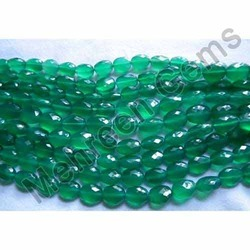 Green Onyx Oval Briolette