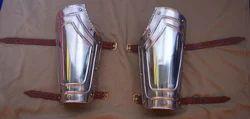 AP04 Pair Of Bracers