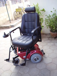 Deluxe Motorized Wheelchair With Swiveling Seat