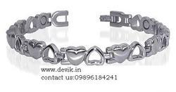 Get Best Discount Offers On 100% Pure Magnetic Titanium Bracelets