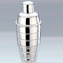 Ribbed Cocktail Shaker