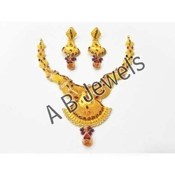 Gold Antique Necklace Set