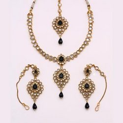 Antique Necklace Sets With Green Stone