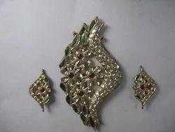 Jadau Designer Gold Pendant