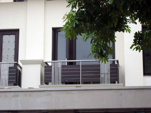 Indian house railing designs modern house for Terrace railing design