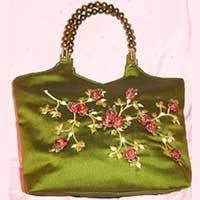 hand embroidered bags 796152 250x250 Beautiful Hand Bags for Girls