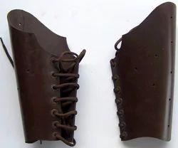 AP07 Leather Bracers