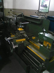 Heavy Duty Semi Gear Head Lathe