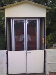 Motorized Vertical Lift Outdoor