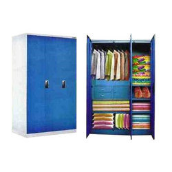 Stylo M4 - 3 Door Jumbo Cupboard