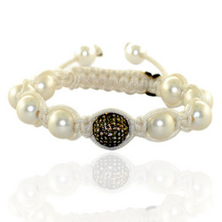 Macrame Bracelet With White Pearl