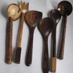 Wood Hand Made Fox & Spoons Set