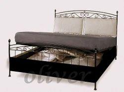 OB 76 Storage Bed