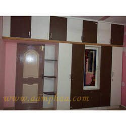Wardrobe Design With Design Mirror
