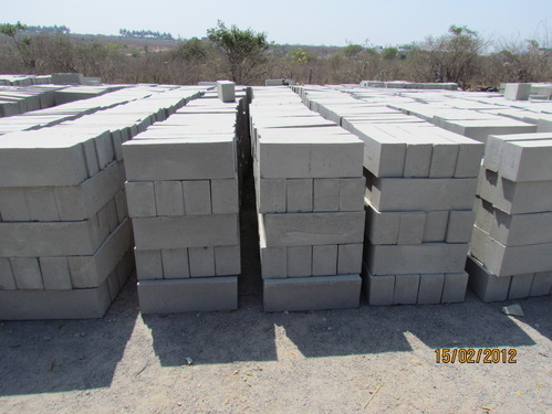 CLC Foam Concrete Light Weight Bricks