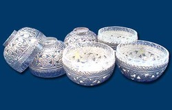 White Metal Bowl Set