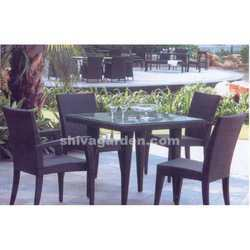 outdoor dining set for hotels