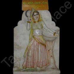 decorative lady statue