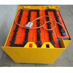 rechargeable traction batteries