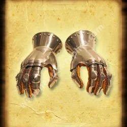 Gauntlets 14Th Century