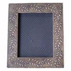 Frames M-6813