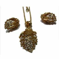 Diamond Gold Necklace Sets