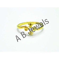 Ladies Fancy Gold Rings