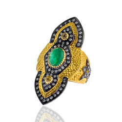 Emerald Studded Diamond Ring Jewelry