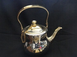 serving tea pot