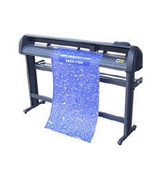 SAGA 1350 II Cutting Plotter
