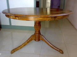 Wooden Round Dinning Table