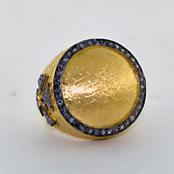 Pave diamond gold rings