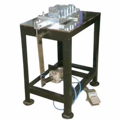 Battery Assembling Machineries Hole Punching Machine