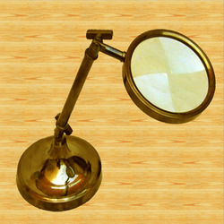Magnifying Glass Stand 9