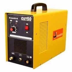 ...устроен на силовой полупроводниковой схеме, для питания дуги сварочного инвертора используется постоянный ток.