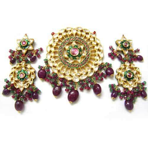 Gold kundan pendant set stone studded kundan pendant exporter from stone studded kundan pendant aloadofball Choice Image
