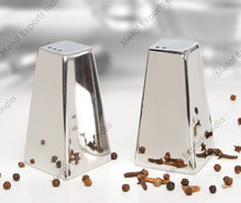 Salt / Pepper Shaker Set - Pyramid