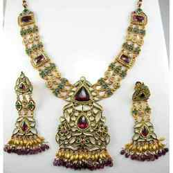 22k Jadtar, Kundan , Jadau antique Jewellery