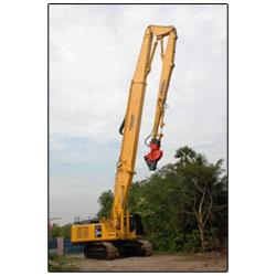 Excavator PC 600-7 LC