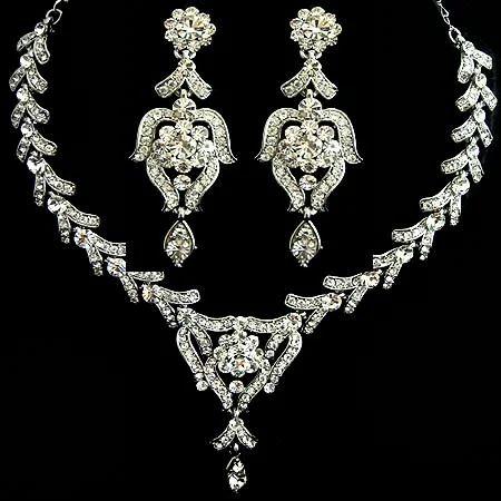 Costume Jewellery American Diamond Studded Neckless Set