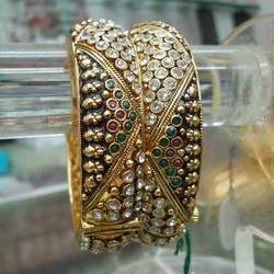 Single Heavy Bangle