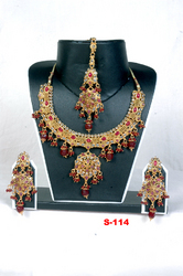 Ethnic Jadau Necklace Sets