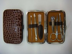 Bs154_696-3manicure Set