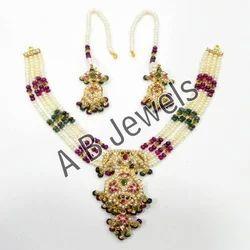 Gold Jadau Necklace
