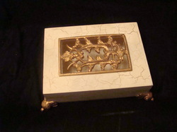 Wooden Box with Raisin Frame